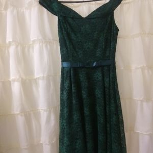 Gorgeous hunter green lace dress